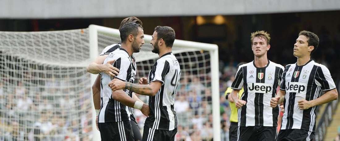Los jugadores de la Juventus celebran el tanto de Mehdi Benatia ante el South China. Eurosport