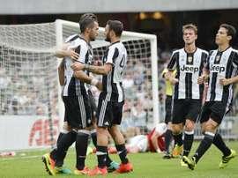 Les joueurs de la Juventus célèbrent le but de Mehdi Benatia face au South China. Eurosport