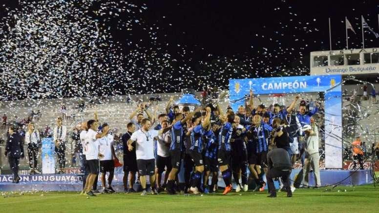 Liverpool, supercampeón de Uruguay. LiverpoolFC1915