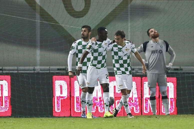 Los jugadores de Moreirense celebran un gol. EFE