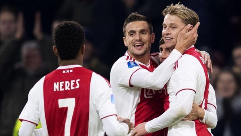 De Jong appears to favour a switch to PSG. AFP
