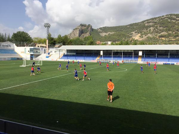 Los jugadores del Alcoyano realizan un entrenamiento. Twitter
