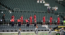 Une minute de silence avant le coup d'envoi en Bundesliga. EFE
