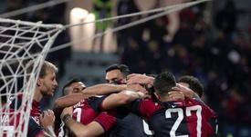 Victorias de Parma y Cagliari para pasar a octavos. CagliariCalcio