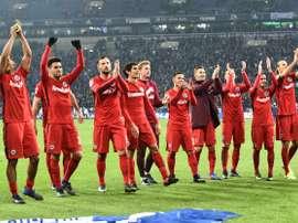 L'Eintracht Frankfurt suit de près le joueur du Munich 1860. EFE