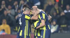 El Fenerbahçe verá retenidos sus ingresos europeos por la sanción. EFE