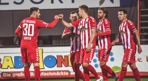 Freiburg garante a vitória contra o Borussia Mönchengladbach. Twitter/scfreiburg