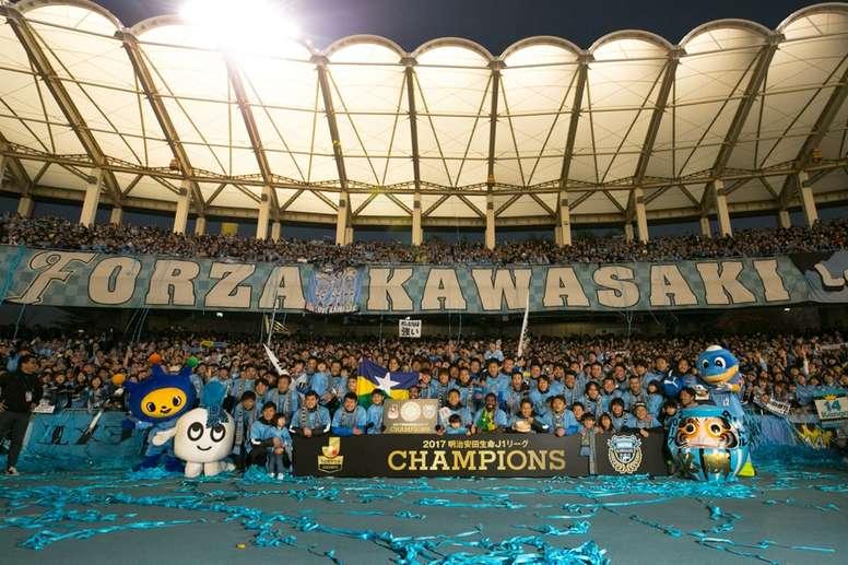 El Kawasaki Frontale, campeón por primera vez en su historia. FrontaleStaff