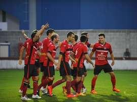 Los jugadores del Laredo celebran su sueño en la Copa del Rey. Twitter