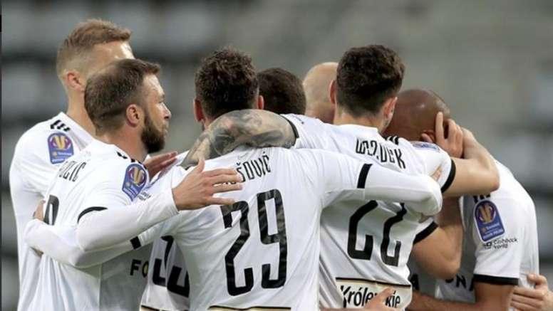 El Legia Varsovia se clasifica en la vuelta del fútbol a Polonia. Twitter/LegiaWarszawa