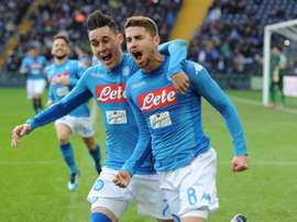 Napoli acredita no título do Napoli. SSCNapoli