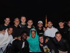 El PSG celebró el Día de Francia en la Torre Eiffel. Twitter/Neymarjr