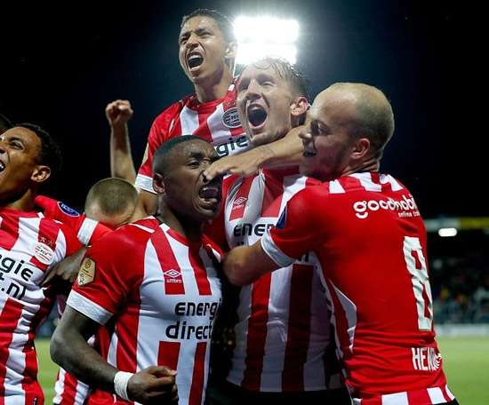 El PSV pasó de ronda sin despeinarse. PSV