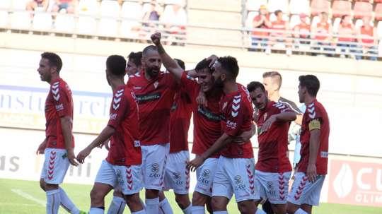 El Murcia ha anunciado dos fichajes y una renovación. RealMurciaCFSAD