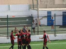Los jugadores del River Melilla celebran un gol. UDMelilla