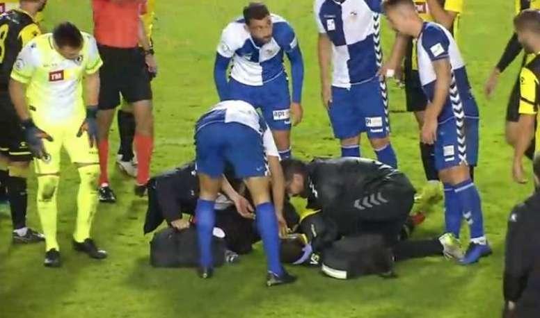 Pablo Íñiguez tuvo que ser hospitalizado. Captura/footters