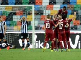 Los jugadores del Spezia italiano festejan la victoria sobre el Udinese en la Coppa. ACSpezia