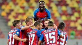 Tamas y Man fueron los anotadores del Steaua. SteauaFC