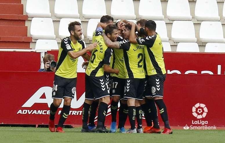 El Tenerife espera volver a la senda de la victoria ante el Racing. LaLiga