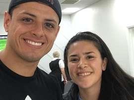 Carla Salcedo y Chicharito comparten una gran amistad. Twitter