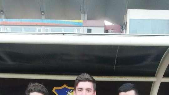 Los nuevos futbolistas del Zulia venezolano, Luciano Guaycochea (i), Kevin Genaro (c) y Sergio Unrein (d). Twitter