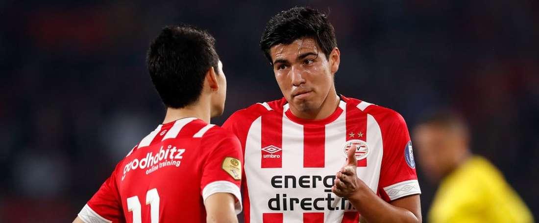 Lozano y Gutierrez, ante el Venlo. Twitter/PSV