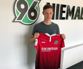 Luca Beckenbauer, con la camiseta del Hannover 96. Hannover96