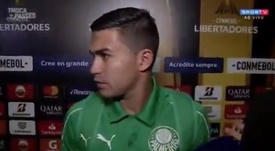 Lucas Bernardi encara Dudu na zona mista. Captura Twitter @SporTV