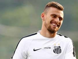 El pretendido por el Barcelona podría quedarse en el Brasileirao. EFE