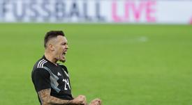 Ocampos se mostró muy feliz por su debut y gol con Argentina. Twitter/Argentina
