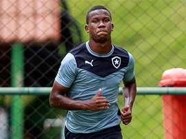 Lucas Ribamar, de 18 años, renueva con Botafogo hasta 2018. Botafogo