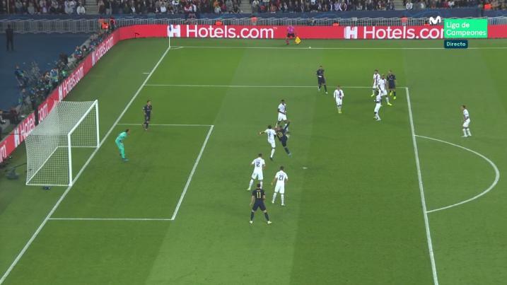El linier anuló el gol de Benzema por fuera de juego posicional de Lucas. Captura/Movistar