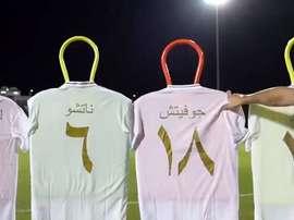 Odriozola e Lucas no desafio das camisas do Real em árabe. Captura/RealMadrid
