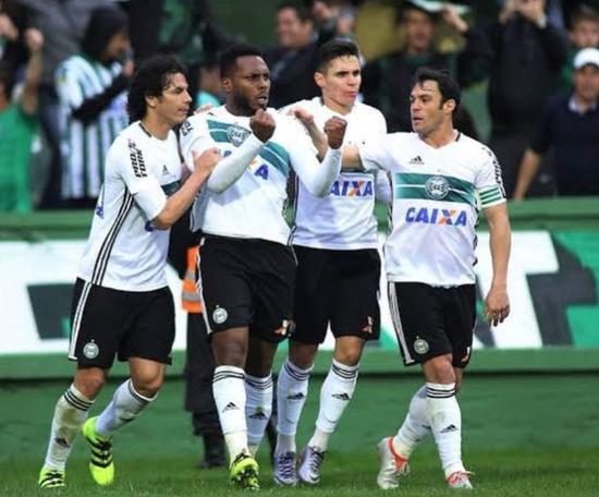 O brasileiro pode ir ao Fluminense. Instagram/luccas.claro