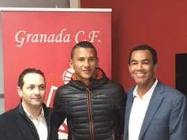Luis Javier Suarez Charris, de 17 años, firma para jugar en el Juvenil del Granada. Twitter