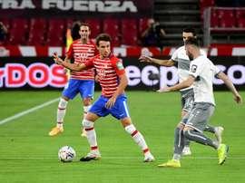 Machís adelantó al Granada con un golazo. EFE