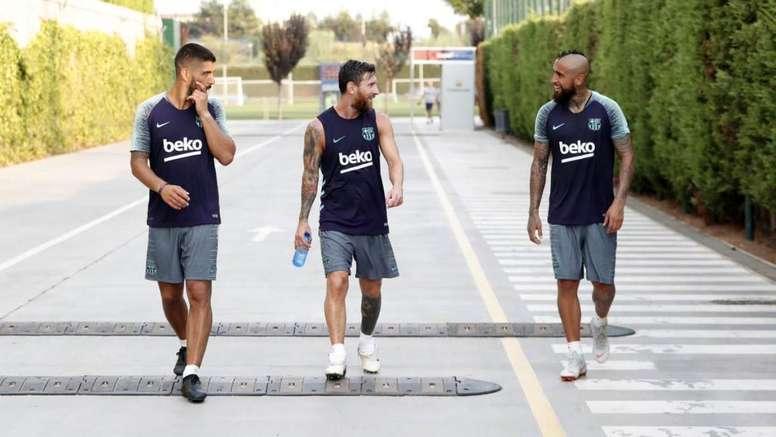 Messi a bien accueilli Vidal. Twitter/FCBarcelona_es