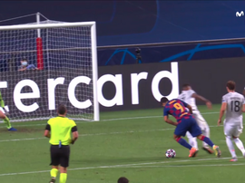 Boateng was beaten all ends up by Suarez. Captura/MovistarLigadeCampeones