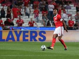 O capitão dos 'encarnados' já teve vários anos para acumular diferentes parceiros. Facebook/Benfica