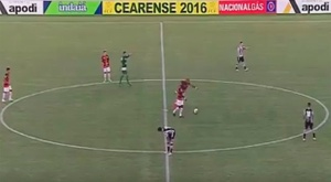 Luiz Carlos anotó desde el centro del campo. Twitter