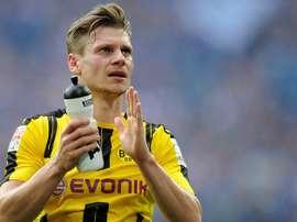 Lateral direito de 31 anos cumpre na sétima época de negro e amarelo. Borussia de Dortmund