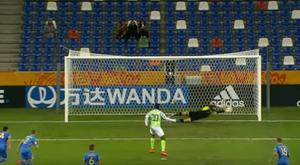 Lunin pisa fuerte: paró un penalti en el Mundial Sub 20. Captura/Gol