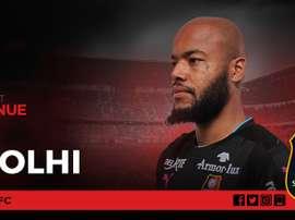 El Rennes consigue hacerse con un portero, M'Bolhi. StadeRennaisFC