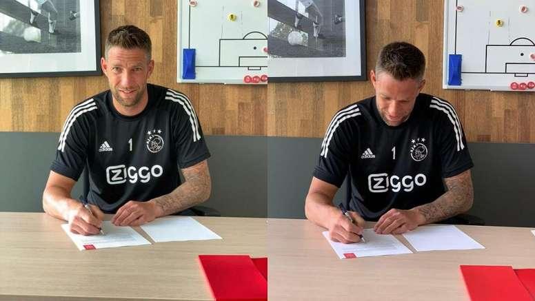 Stekelenburg vuelve al Ajax. Twitter/AFCAjax