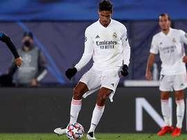 Minuto de silencio en homenaje a Diego en el Inter-Real Madrid. RealMadrid