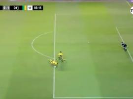 El gol regalado  de la jornada. Captura/TNTSports