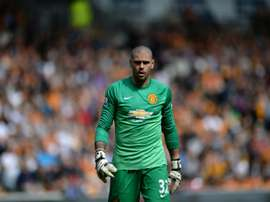 Manchester United Spanish goalkeeper Victor Valdes plays during the English Premier League football match between Hull City and Manchester United in Kingston upon Hull, north England on May 24, 2015