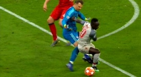 Mané engañó a Neuer para marcar en el Allianz. Captura/Movistar