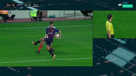 El Sevilla reclamó penalti por mano de Jordi Alba. Captura/Movistar
