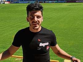 Manu Martínez refuerza el lateral derecho del Eldense. TwitterCD_Eldense